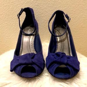ALDO Blue suede heels w/ bow & ankle strap detail